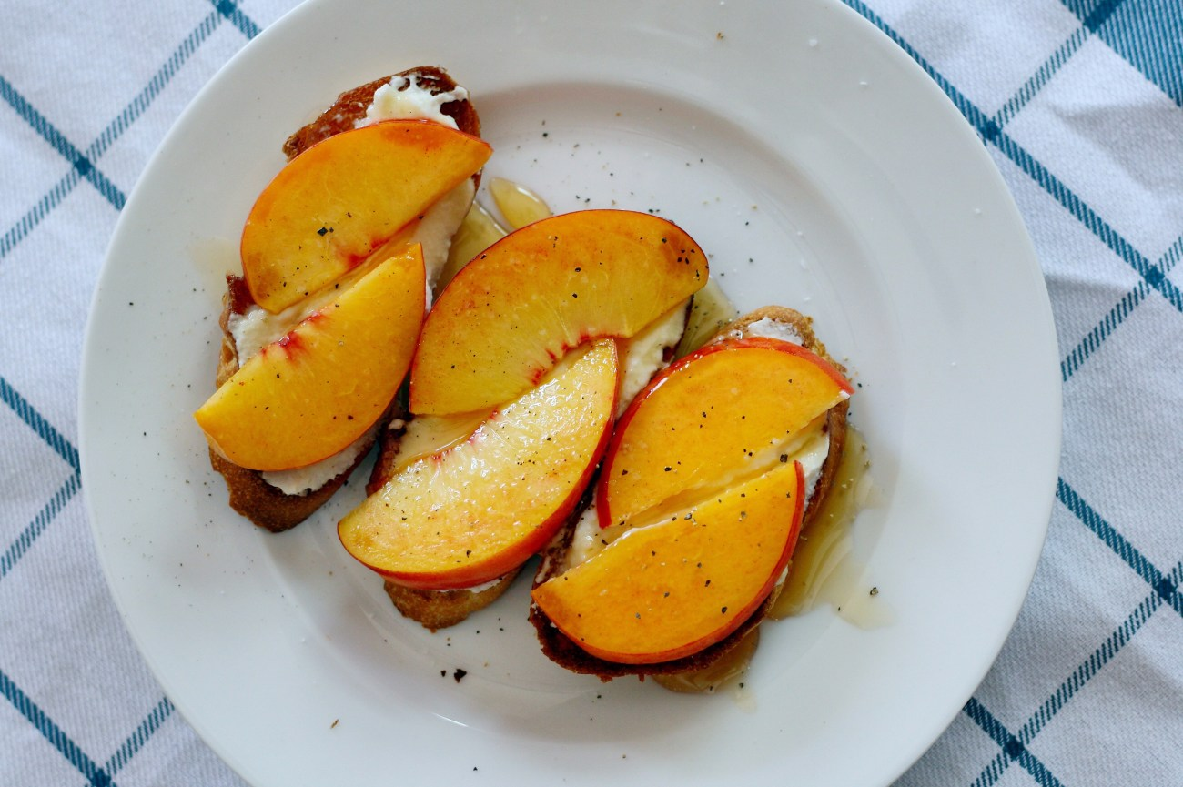 Ricotta Peach Crostini