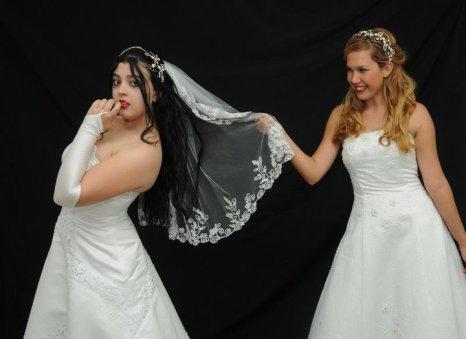 """""""O Casamento de Camila e Carolina"""" como Carolina"""