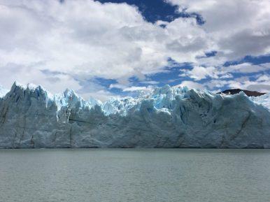 Passeio Nautico chegando perto da geleira