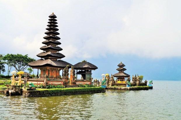Lindo templo em Bali - Indonésia