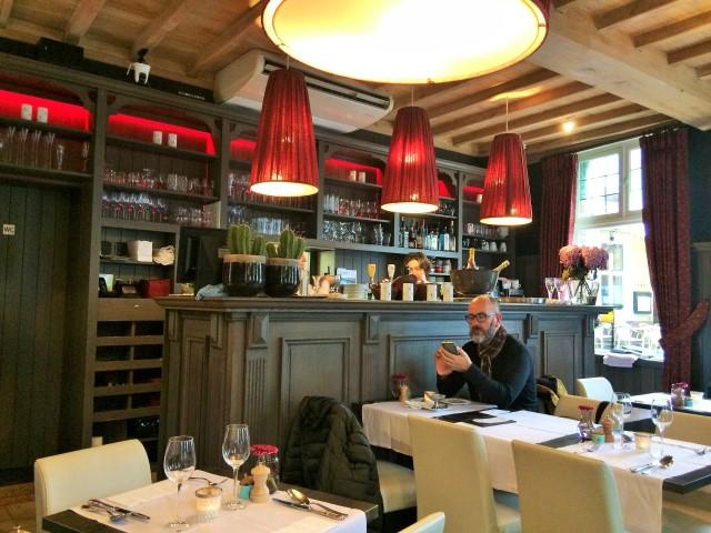 Onde comer em Bruges - interior do restaurante