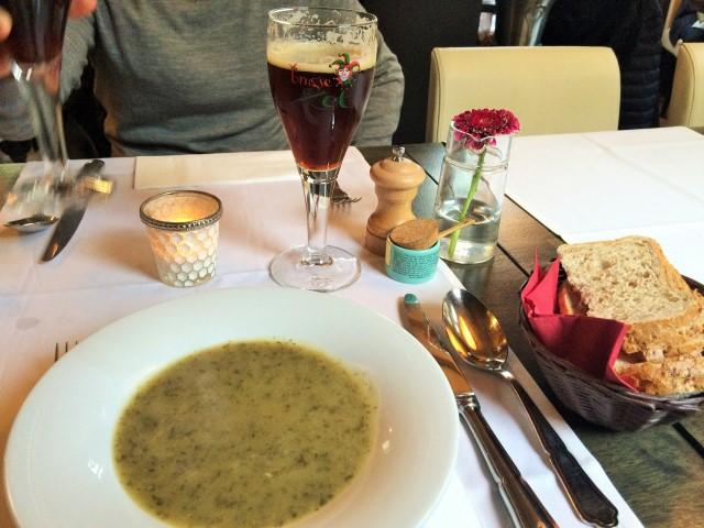 Onde comer em Bruges - sopa de alho-poró