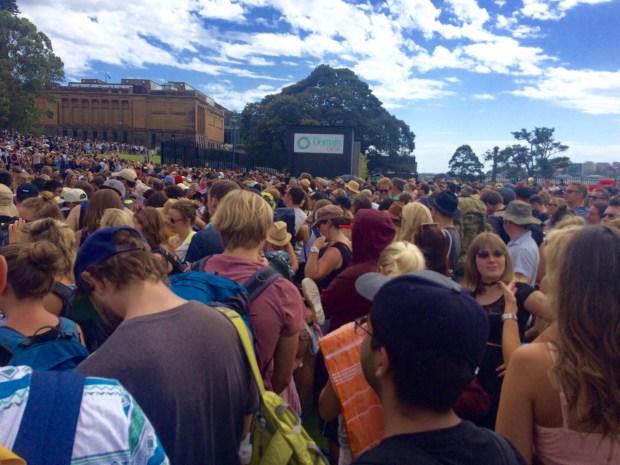 Onde não passar o Ano Novo em Sydney: fila ainda organizada