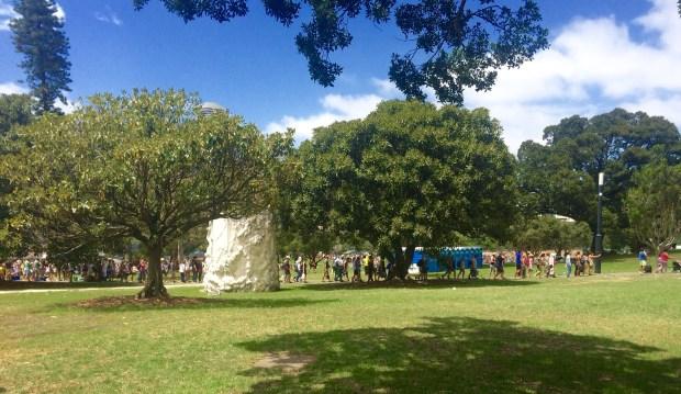 Onde não passar o Ano Novo em Sydney: fila organizada de novo