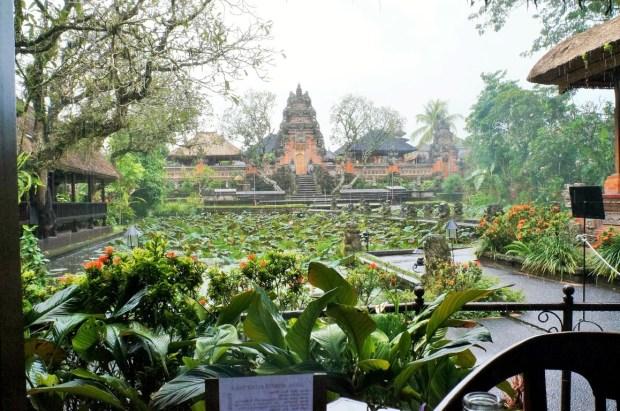 restaurantes imperdíveis em Ubud - café Lotus