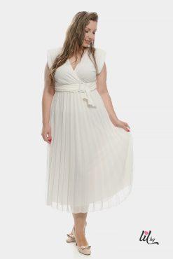 Бяла рокля