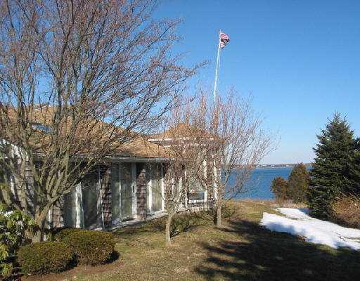 80 North Cliff Drive, Narragansett