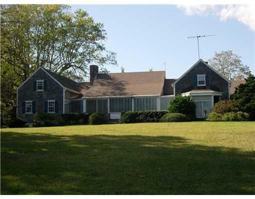 562 Post Road, South Kingstown