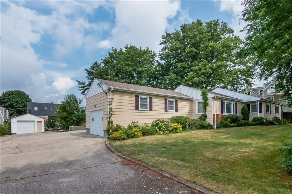 88 Newport Avenue, Middletown
