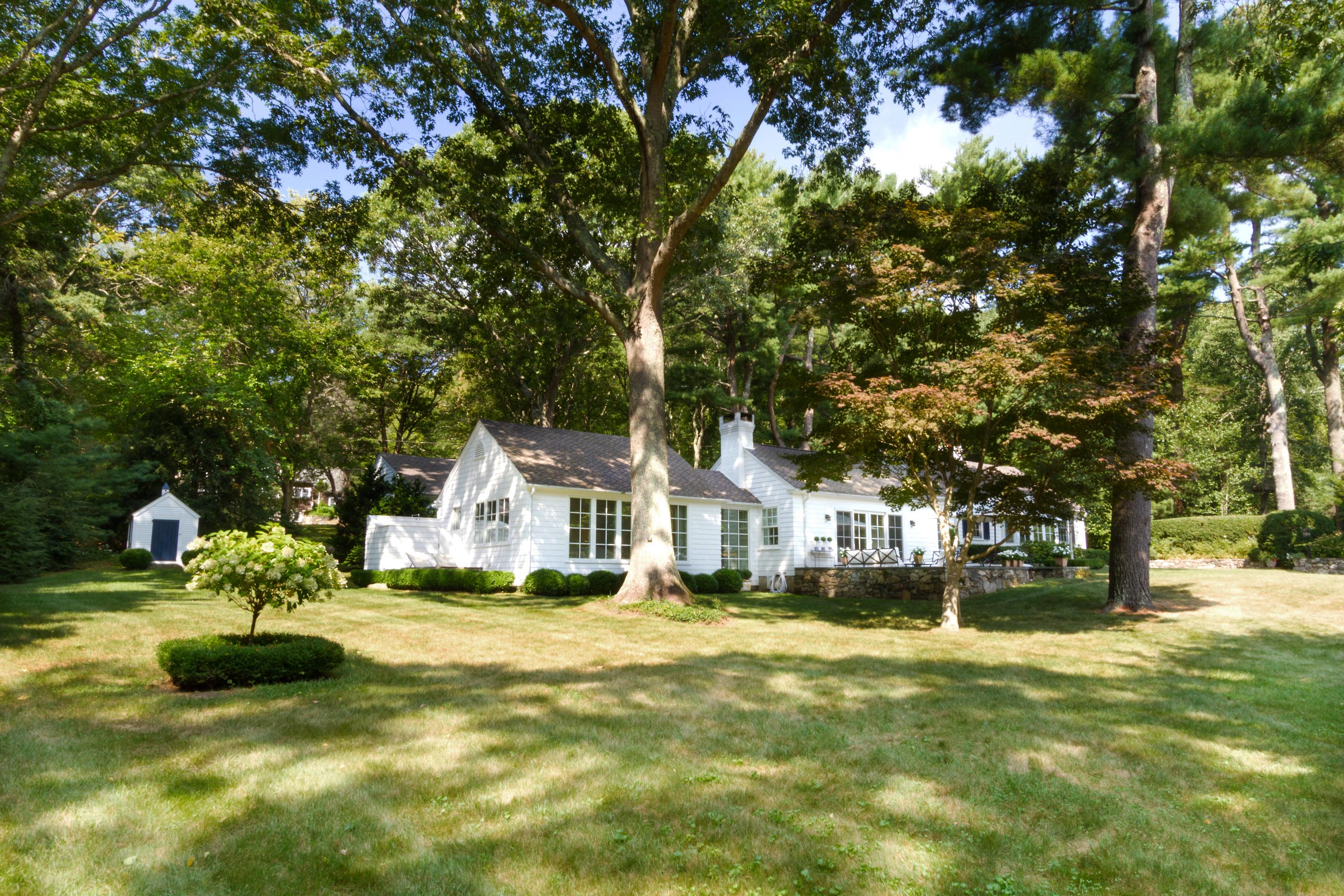 """STONEHEDGE COTTAGE"" SELLS FOR $1.675M, MARKING  SECOND HIGHEST SALE IN SAUNDERSTOWN YEAR-TO-DATE*"