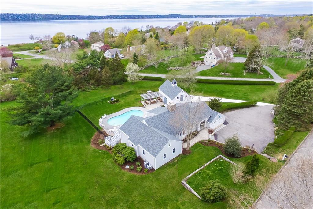 162 Indian Point Road, Tiverton