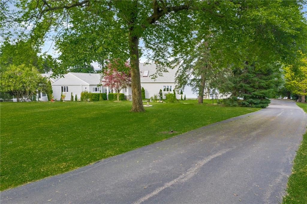 1058 East Shore Road, Jamestown