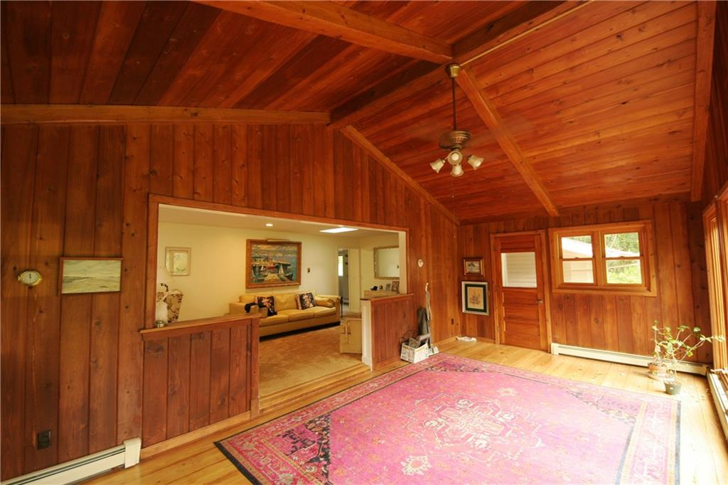 122 Old Post Road, South Kingstown