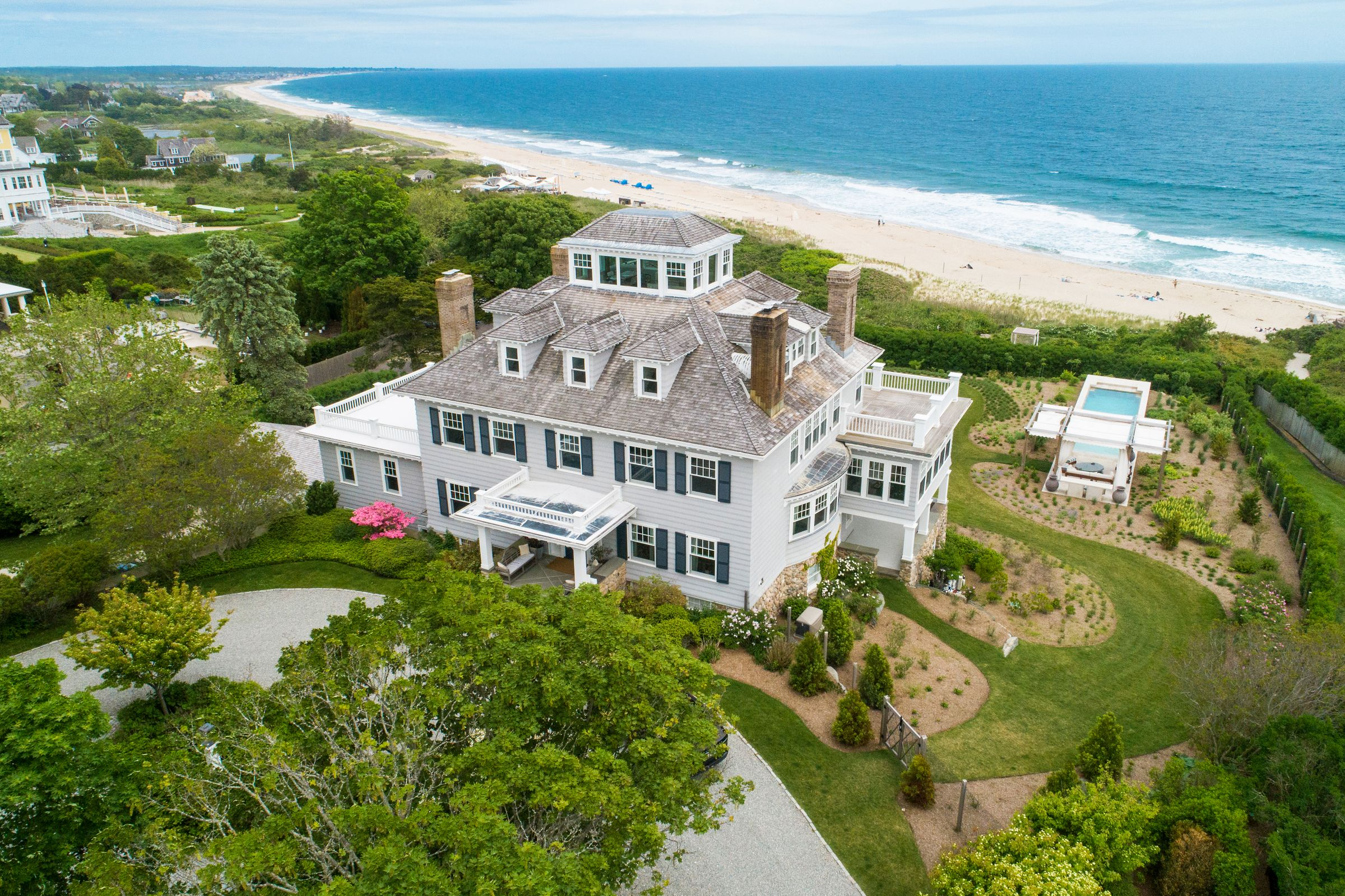 Rhode Island Mansion Near Taylor Swift's Home Sells For $17.6 Million