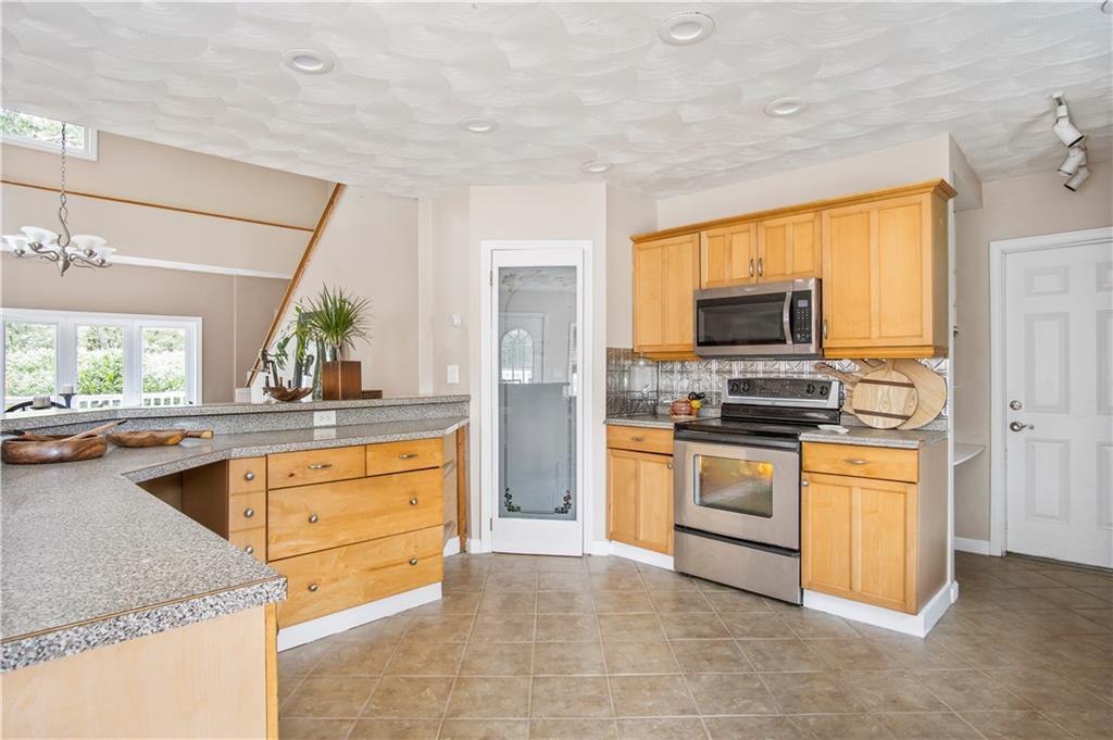 1275 Ministerial Road, South Kingstown