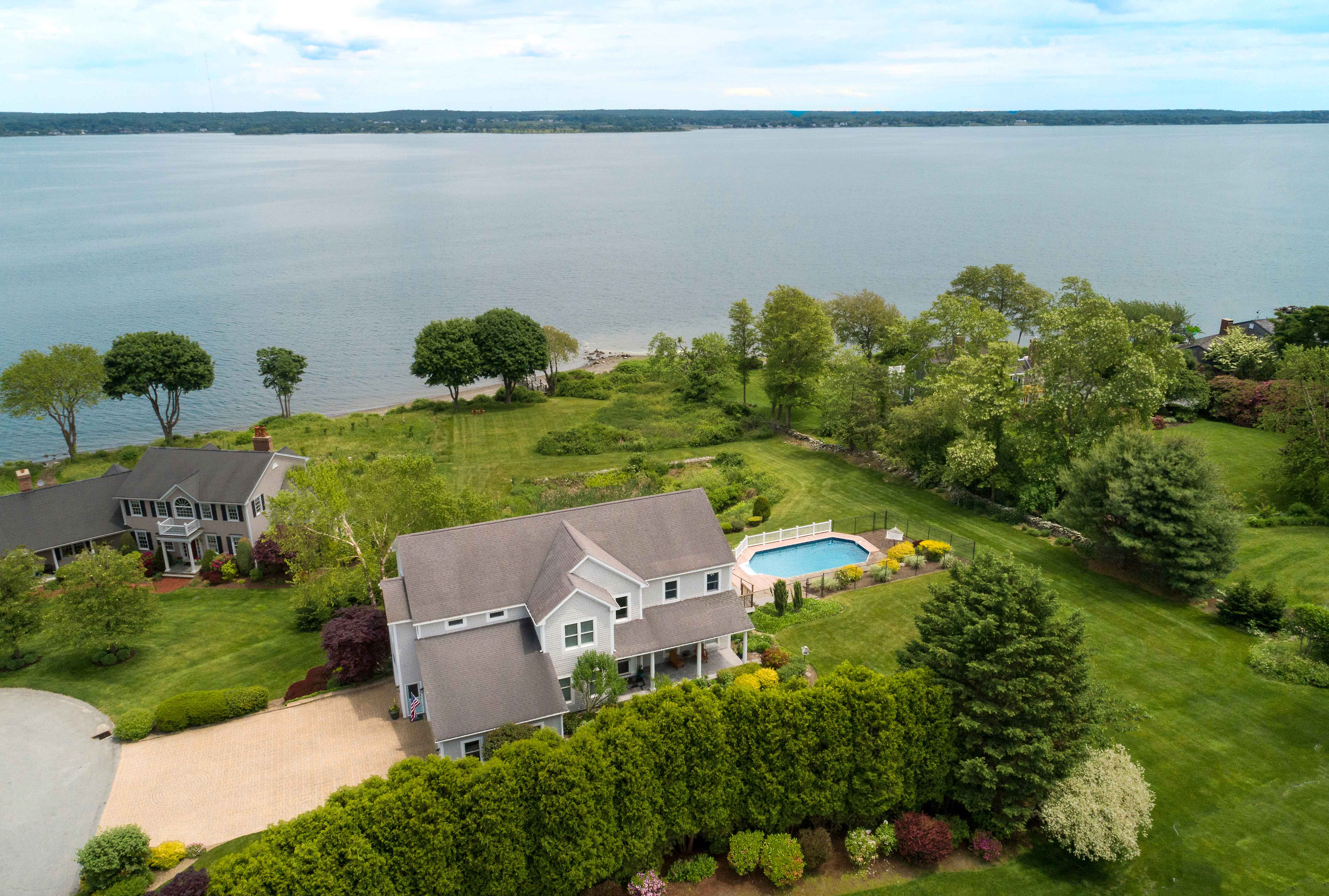 WATERFRONT COLONIAL SELLS FOR $1.755M, MARKING 2ND HIGHEST SALE IN PORTSMOUTH YEAR-TO-DATE*
