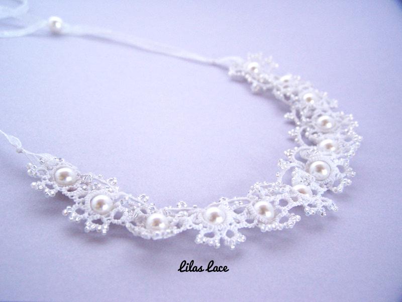 Collier dentelle blanche et perles nacrées