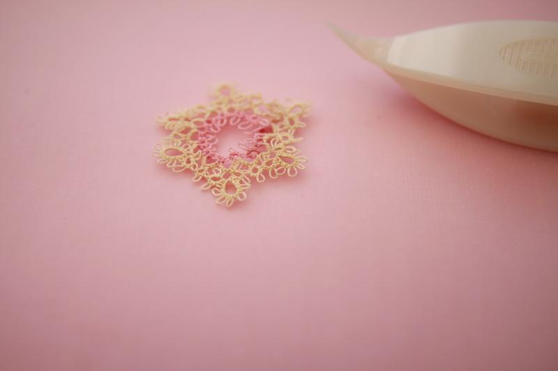 Mini tatting with Sajou thread