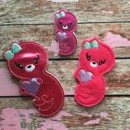 ITH – Valentine Girl Otter Felties – 3 sizes- Digital Embroidery Design