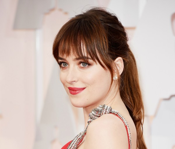 dakota-johnson-oscar-2015