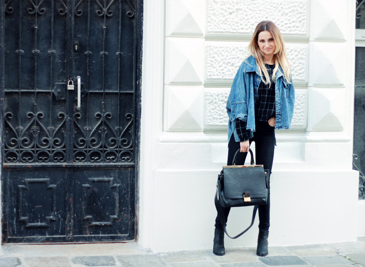 sheinside denim jacket stradivarius black pants blonde blogger lilis vienna street syle city fashion parfios black bag casual minimalistic style photoblog personal style blogger 5