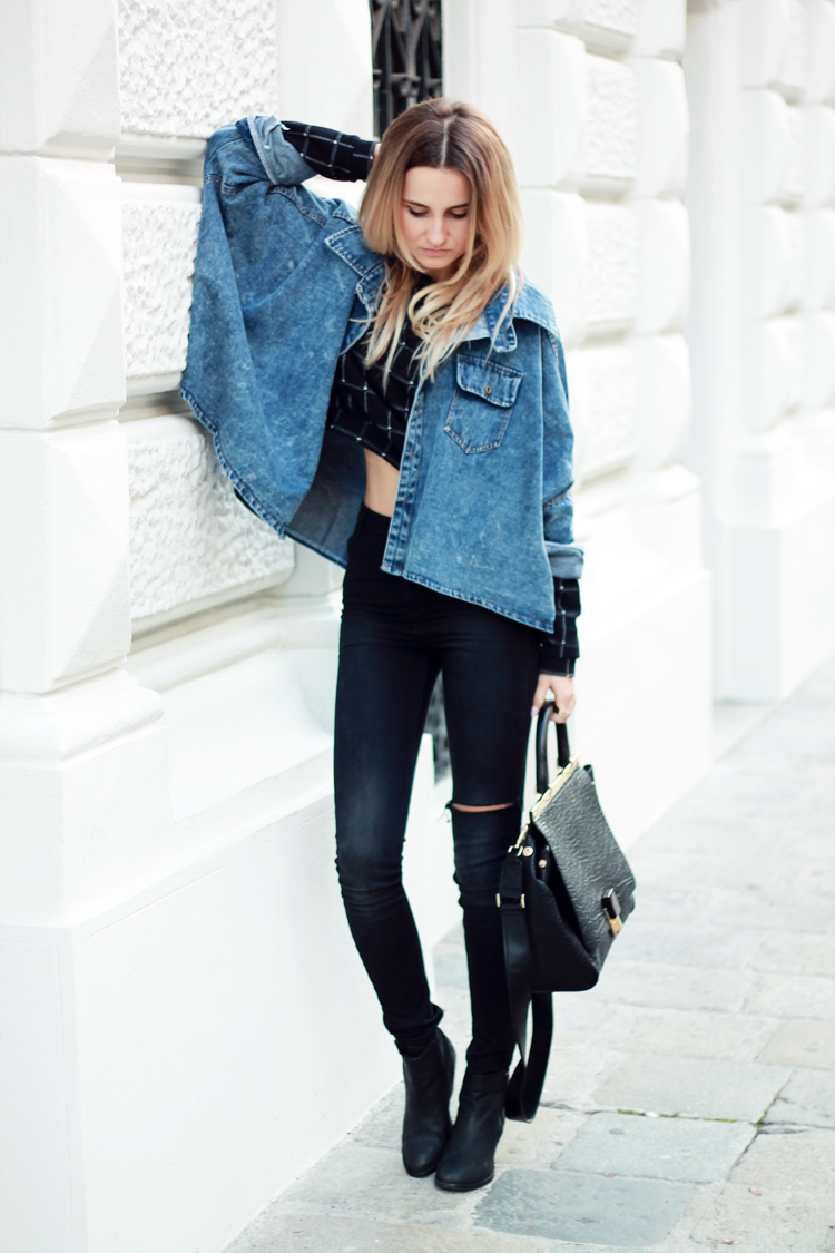 sheinside denim jacket stradivarius black pants blonde blogger vienna street syle street fashion parfios black bag casual minimalistic style photoblog style blogger