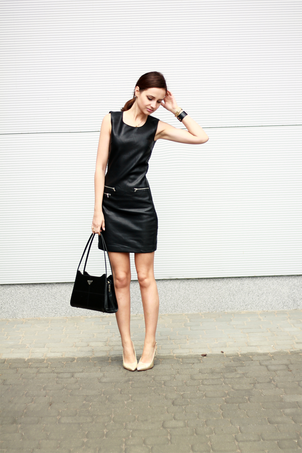 fashion blog street style chic vogue tumblr girl black dress lilicons 2