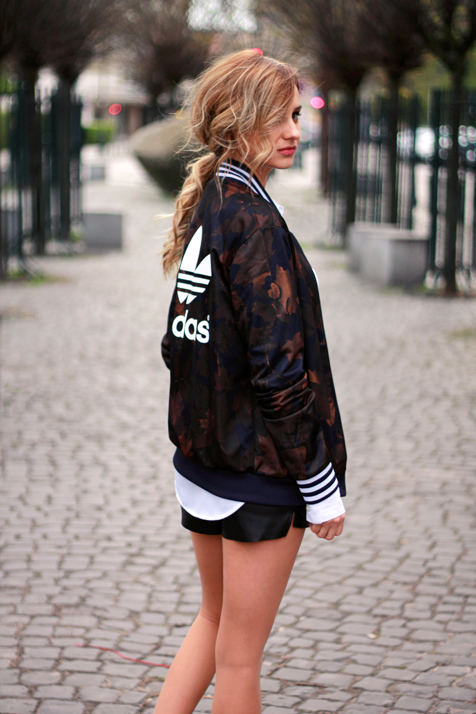 street style tumblr girl blonde beauty ootd look lookbook outfit adidas jacket moro fashion