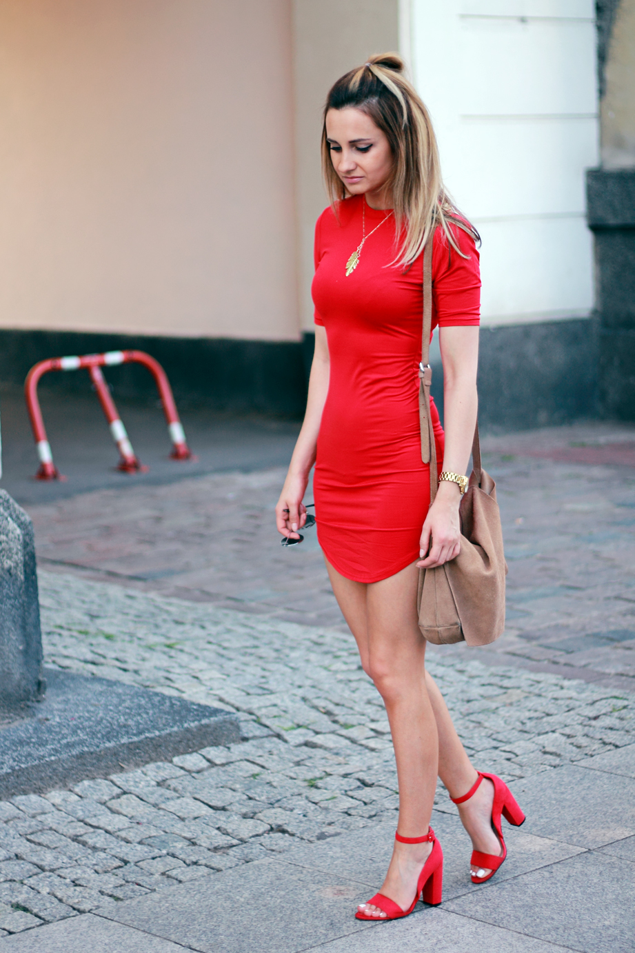 street style fashion red dress blonde blogger pretty girl tumblr ootd outfit lookbook look what to wear