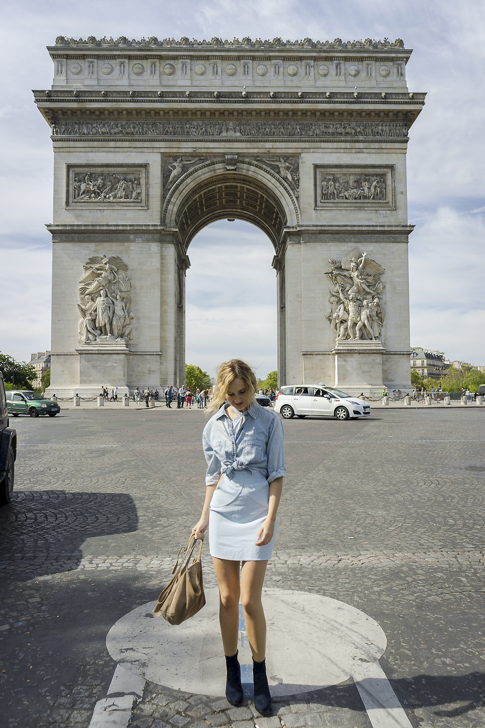 blue-dress-mini-denim-mango-shirt-hm-shoes-navy-boots-ootd-lookbook-look-outfit-blonde-tumblr-girl-paris-street-style-fashion