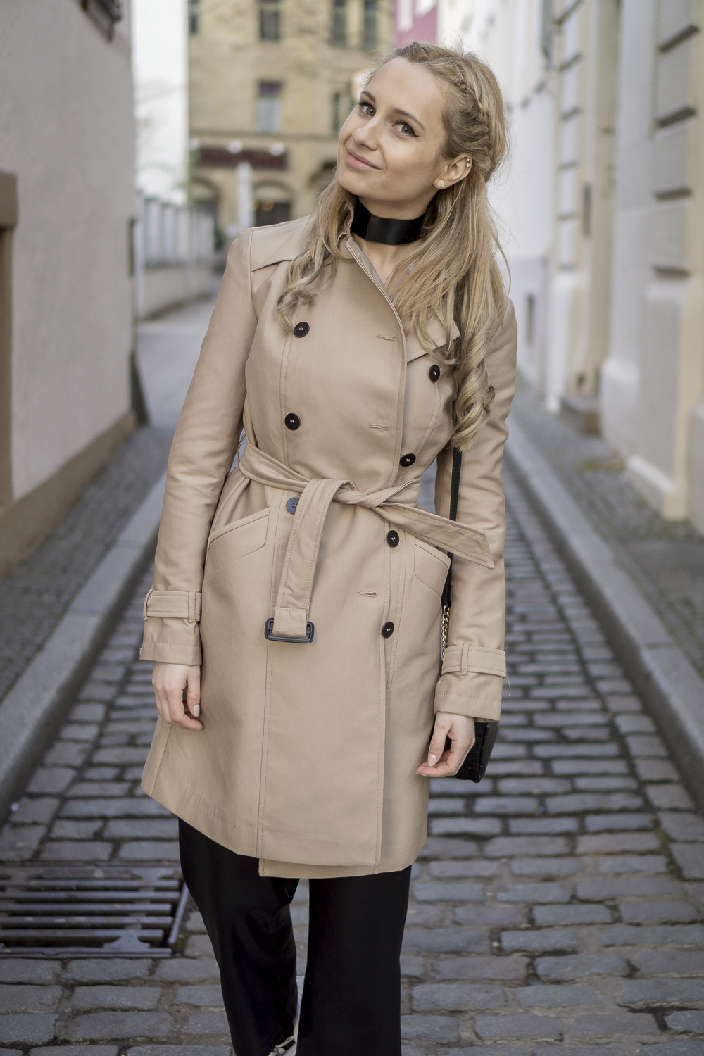 wearing beige trench coat from zara, mango leather pants. OOTD outfit look