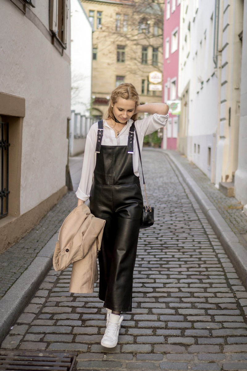 OOTD: black dungarees & classic white shirt
