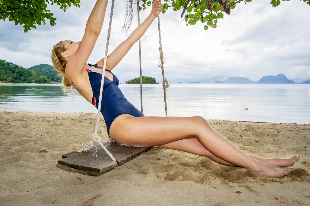 tommy hilfiger swimsuit holidays style outfit beach look