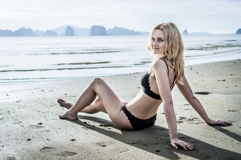 sunrise beach look thailand ootd beach hair style blonde girl vacations