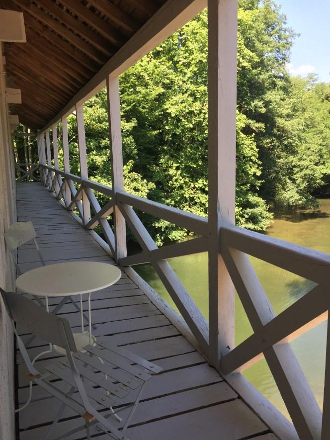 coursive bois vue sur rivière moulin saint julien