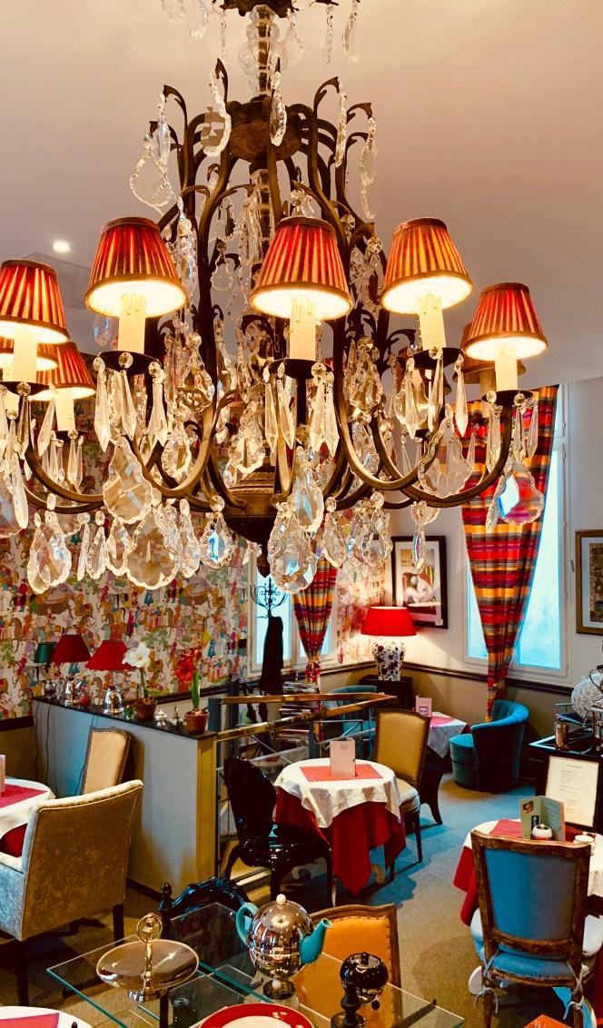 lustre-pampilles-salon de thé-marco polo-lili deambule