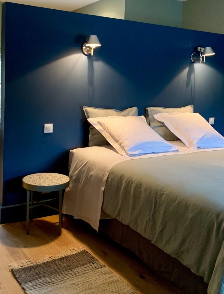 chambre bleu foncé lili déambule