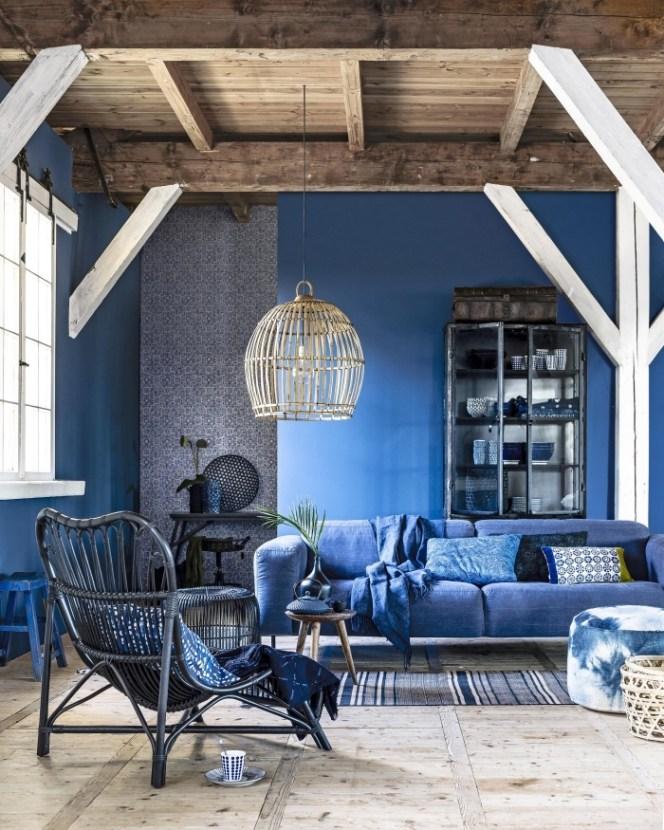 deco salon bleu marine poutre bois lili déambule