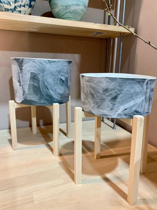 pot céramique support bois