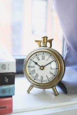 Gold Clock - LiliesandLoafers