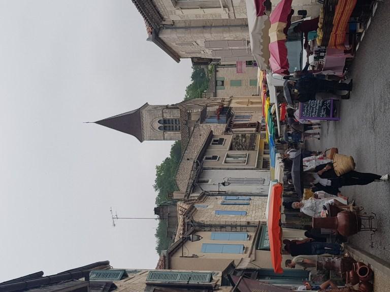 Le marché à Montcuq