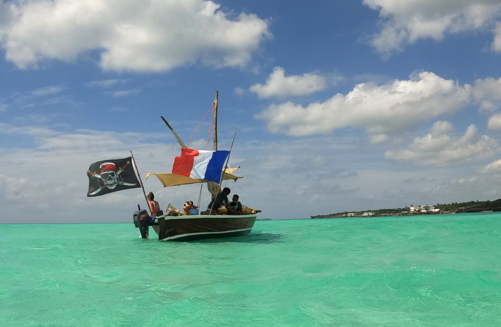 dhow excursion mnemba island