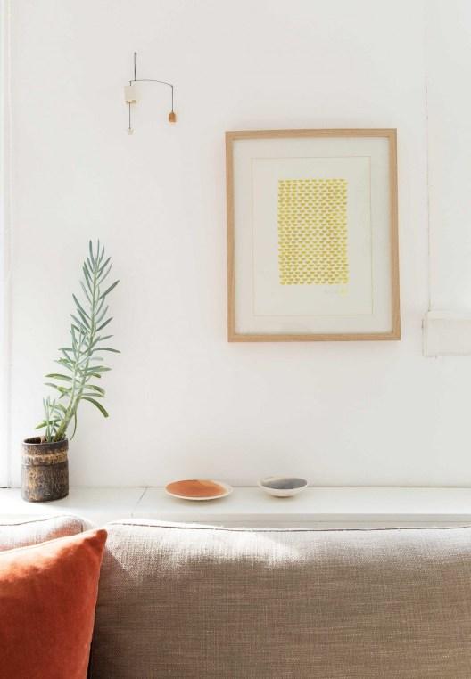 visite une maison de ville scandinave et chaleureuse. Black Bedroom Furniture Sets. Home Design Ideas