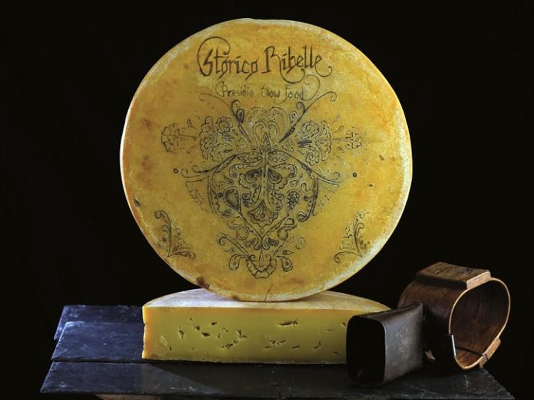 formaggi-bergamo-bitto-storico-ribelle