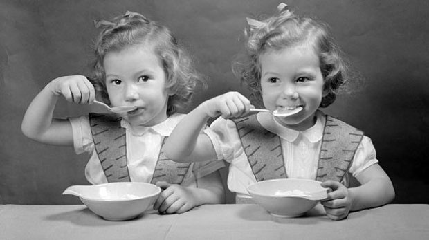 Bambine con zuppa