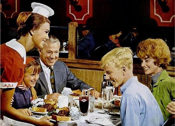 coppie che non vorreste mai trovare al ristorante