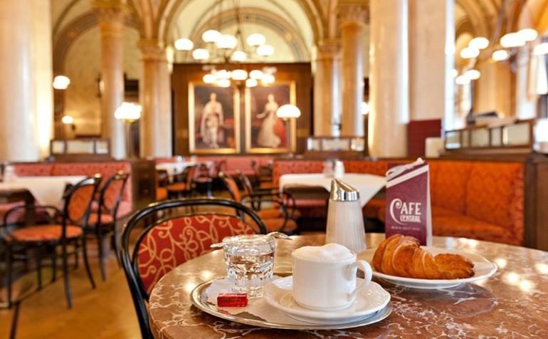 caffetterie più belle del mondo cafe central vienna