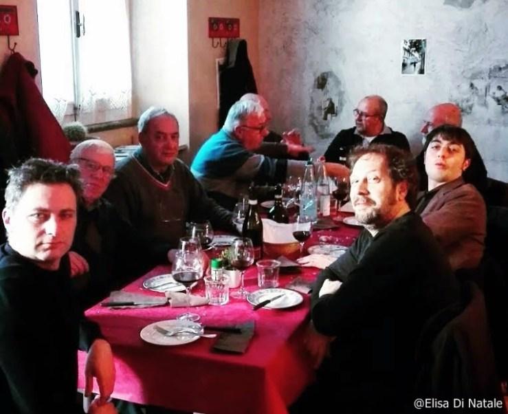 pranzo-al-bar-a-porte-chiuse