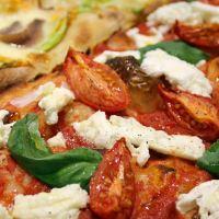 Pizza romana al taglio e supplì: dove mangiare lo street food romano a Milano