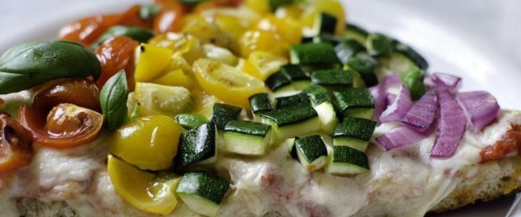 Pizza arcobaleno deliveroo pride
